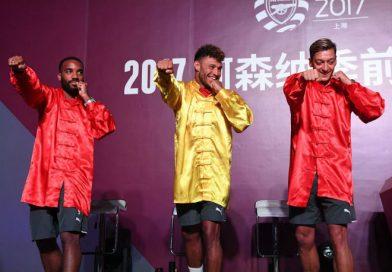 Sao Arsenal nhí nhố khi đến Trung Quốc