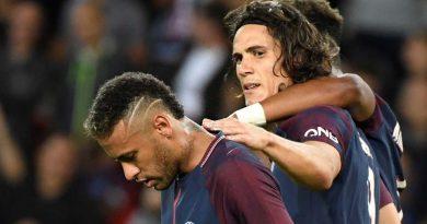 Neymar hãy tỉnh ngộ đi: đây là Cavani, không phải Messi