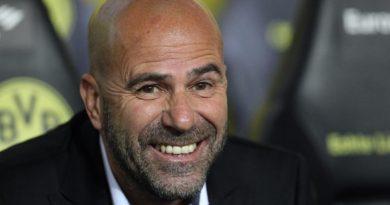 Lộ lý do Borussia Dortmund chưa sa thải HLV Peter Bosz