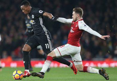 Martial khó chịu với Mourinho