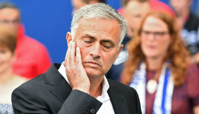 Mourinho khởi đầu khó khăn với MU
