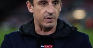 Gary Neville đưa ra lời khuyên cho Liverpool nếu muốn vô địch NHA