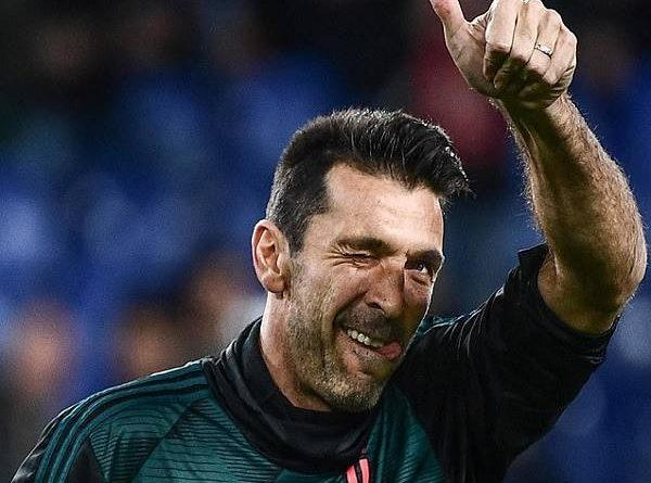 Buffon cân bằng kỉ lục khủng của Maldini