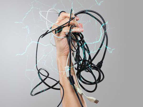Mơ thấy bị điện giật là điềm dữ hay lành - Nên đánh con số nào?