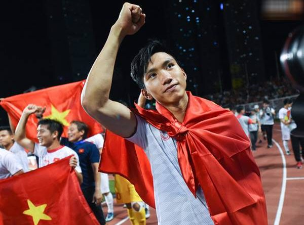 Bóng đá Việt Nam sáng 14/8: Lý do HLV Park không gọi Văn Hậu