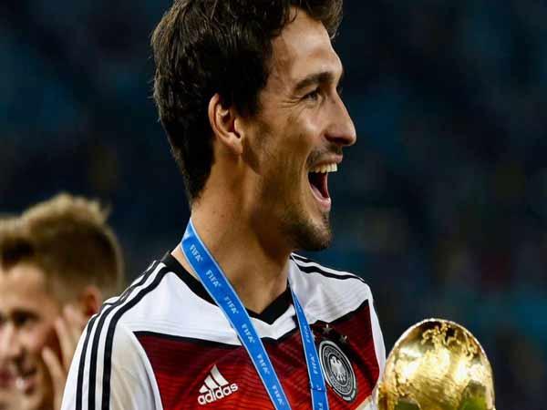 Hậu vệ Mats Hummels lọt top cầu thủ đẹp trai nhất thế giới