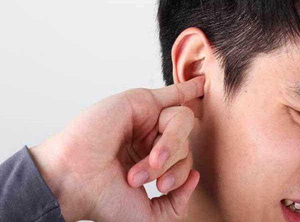 Ngứa tai trái là điềm gì ?