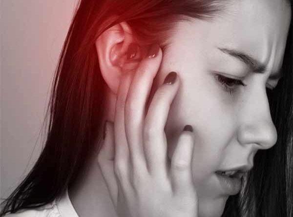 Vậy nóng tai trái là điềm báo gì?
