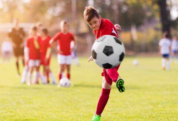 Cách sút bóng căng - Hướng dẫn chi tiết cách đá bóng chuẩn nhất