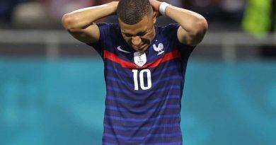 Bóng đá Pháp 1/7: Mbappe từ chối gia hạn với PSG