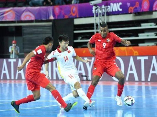 Bóng đá Việt Nam sáng 22/9: Tuyển thủ Futsal Việt Nam được vinh danh