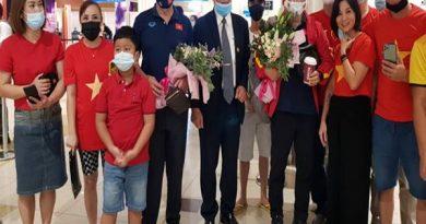 Bóng đá VN 1/10: Đội tuyển Việt Nam được chào đón ở UAE